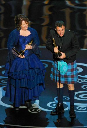Brenda Chapmand and Mark Andrews accepting Oscar for Pixar's Brave